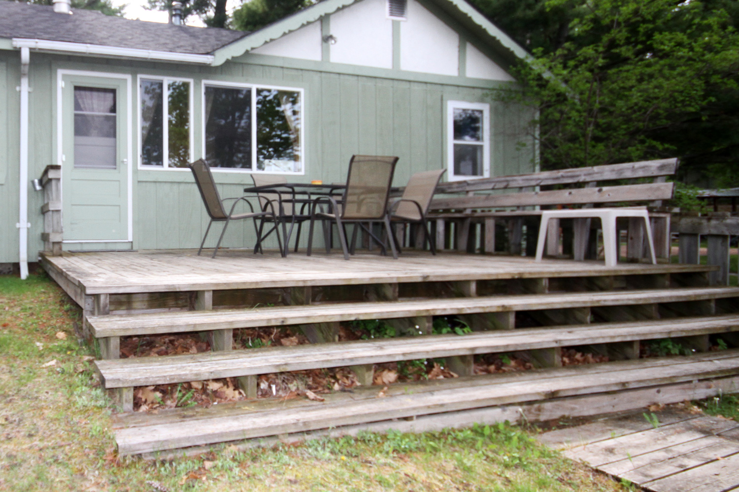 Large Deck with extended bench seat