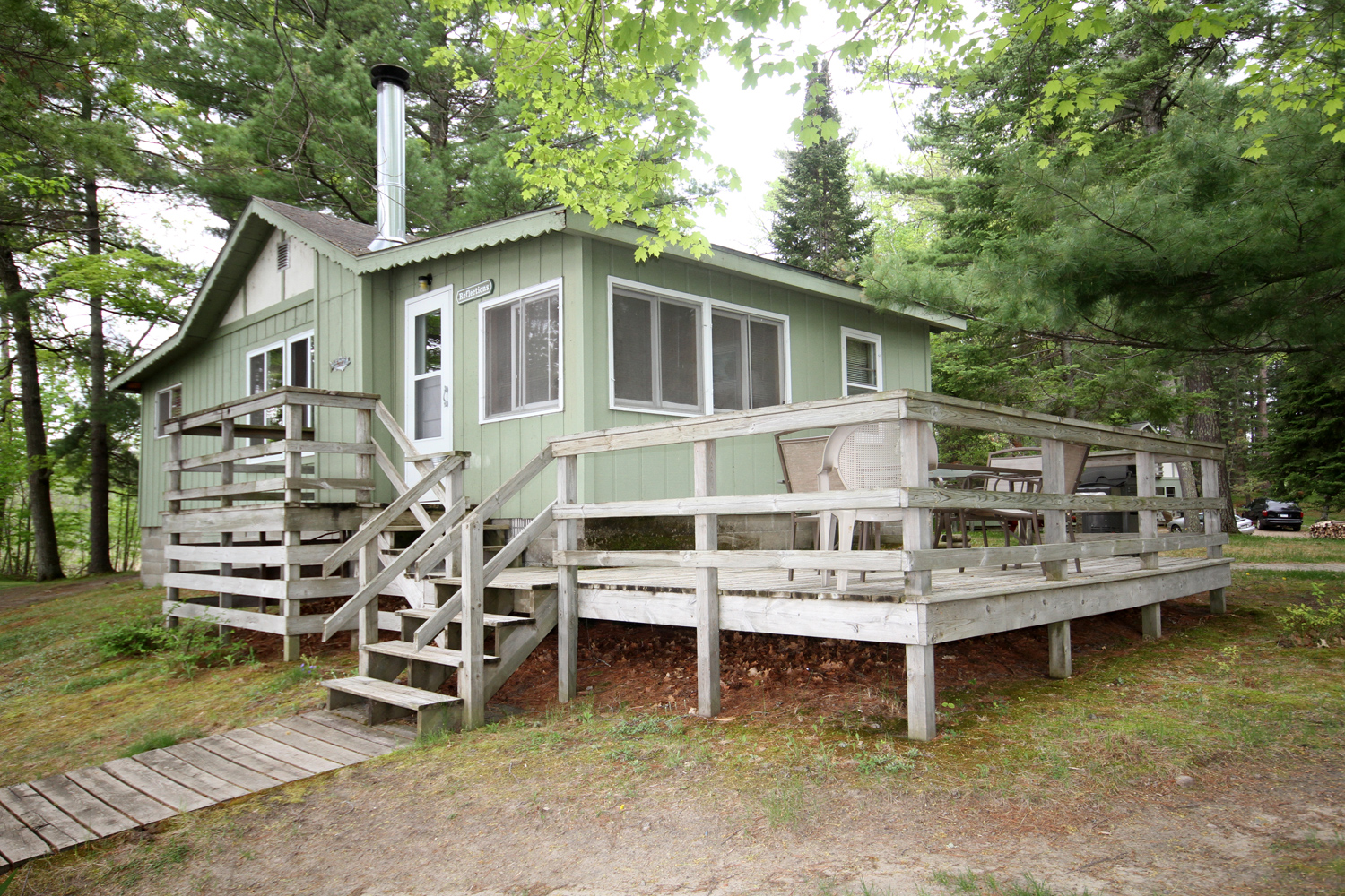 Reflections - Three Bedroom Lakeside Cabin with Great Views