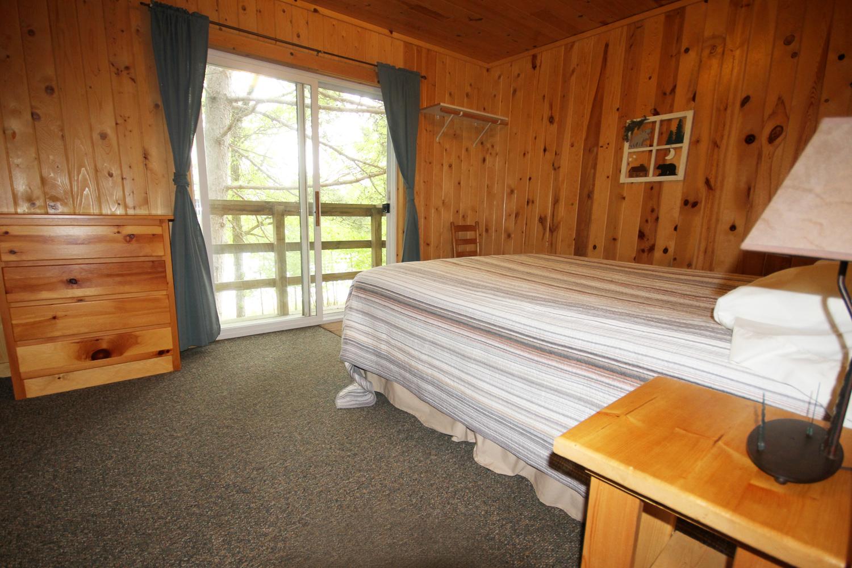 Upper Level Master Bedroom w/ King Size Bed