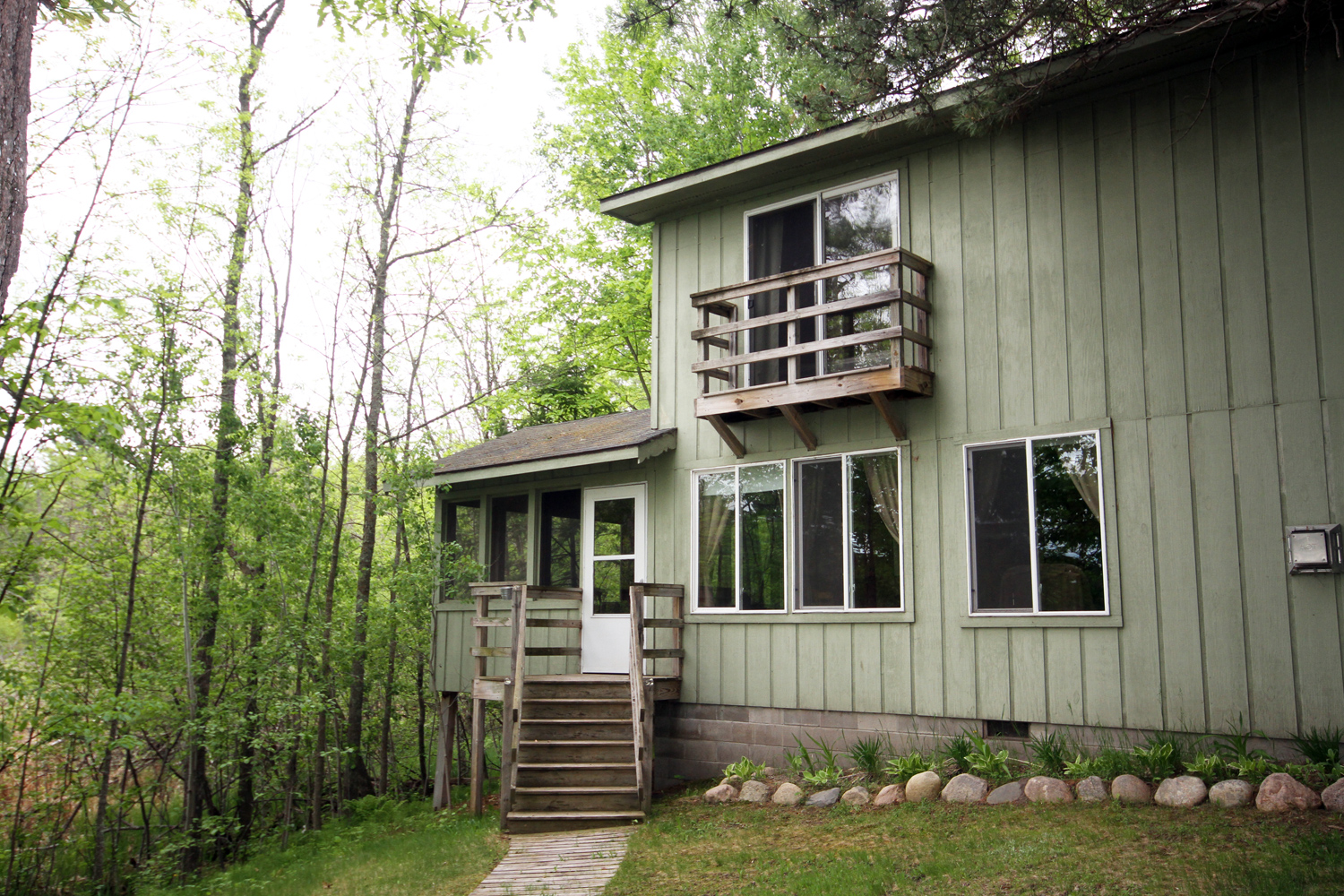 Twilight - Four Bedroom Lakeside Cabin Duplex with Optional Walk-Through to Stardust