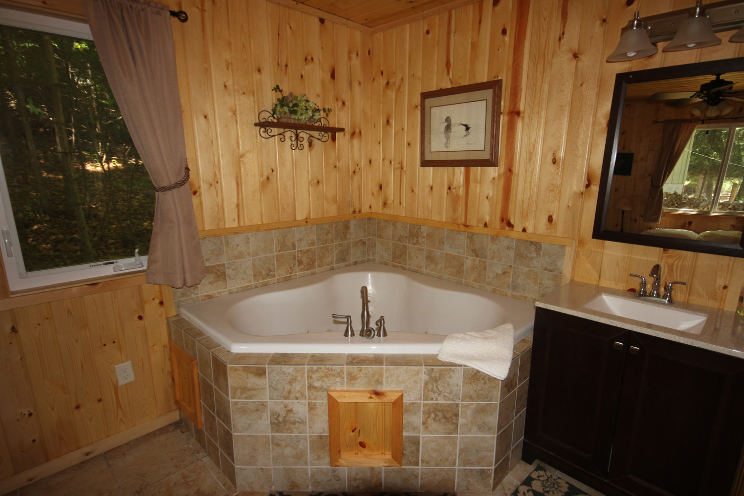Master suite with Jacuzzi tub & bathroom